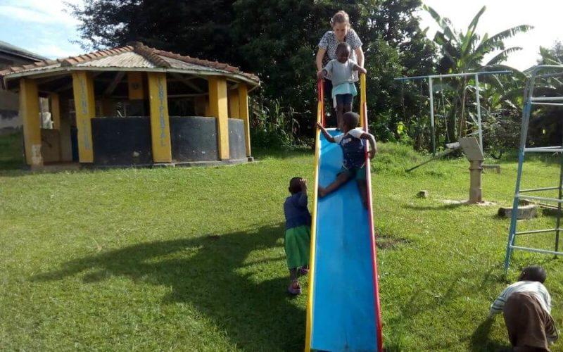 orfanato-volcop1